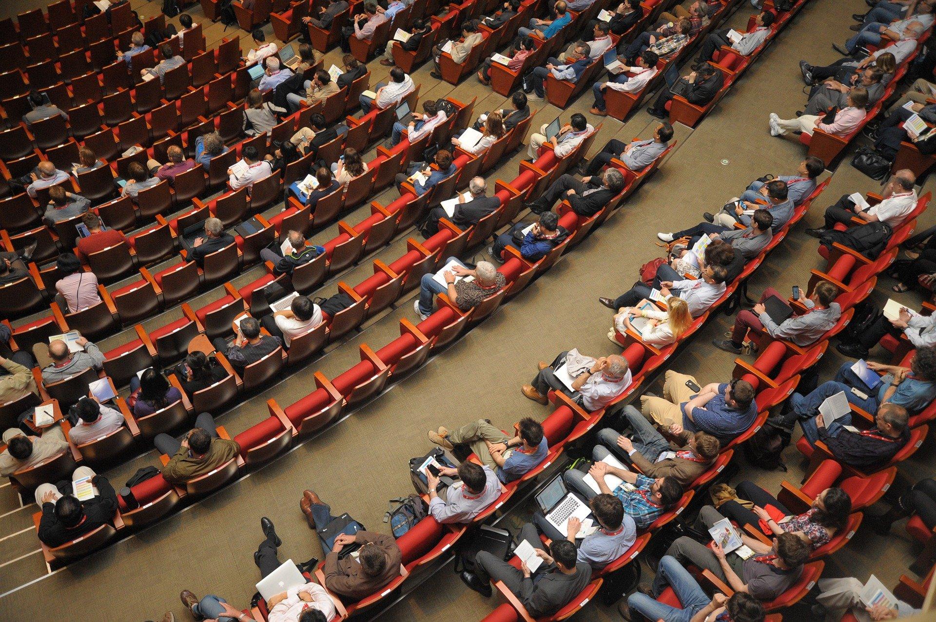 Conférence à HEC